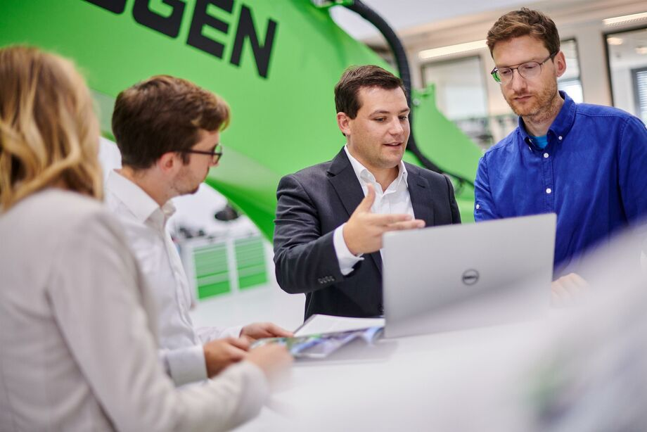 SENNEBOGEN Academy: our competence center